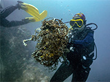 Diver recovering ghost net